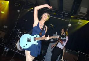 Katy Perry concerto con chitarra