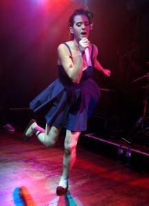 Katy Perry canta sul palco