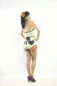 Katy-Perry-gambe