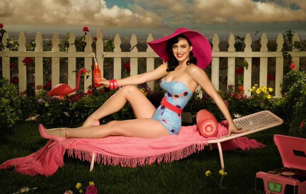 Katy Perry in posa 1024x651 Immagini in alta definizione di Katy Perry con un look vintage