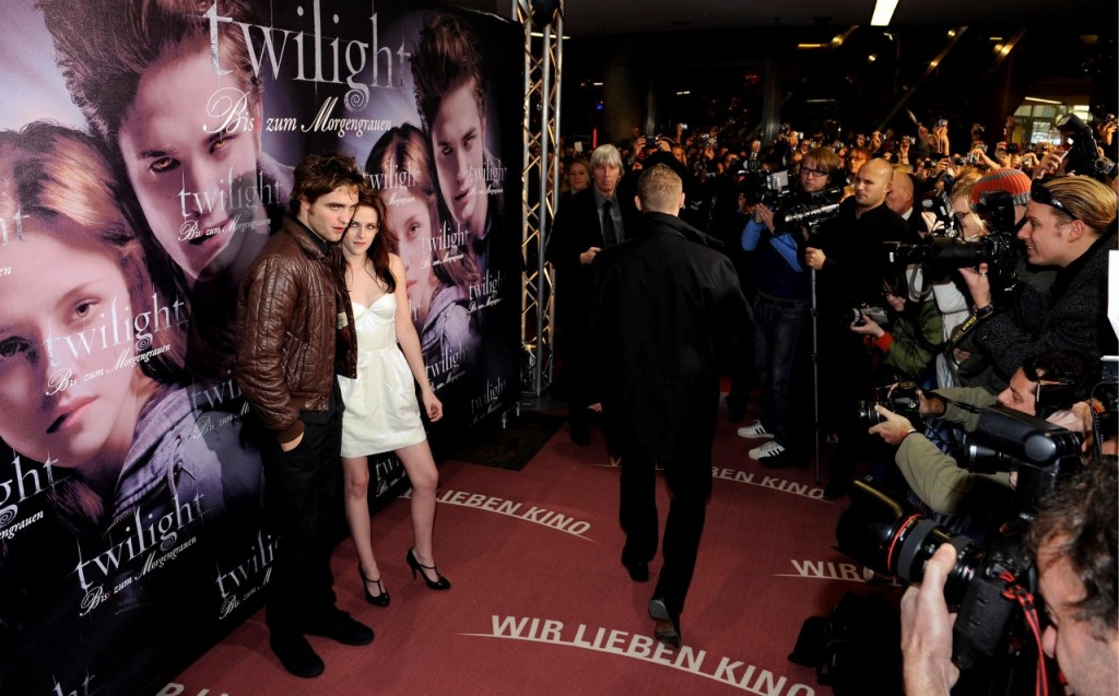 Kristen Stewart 1258871 1024x637 Kristen Stewart e Robert Pattinson altre immagini e fotografie di alta qualità da scaricare